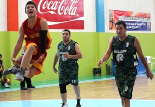 Halcones-Boston 3er. lugar de Ascenso B al vencer a Raptors 43-24